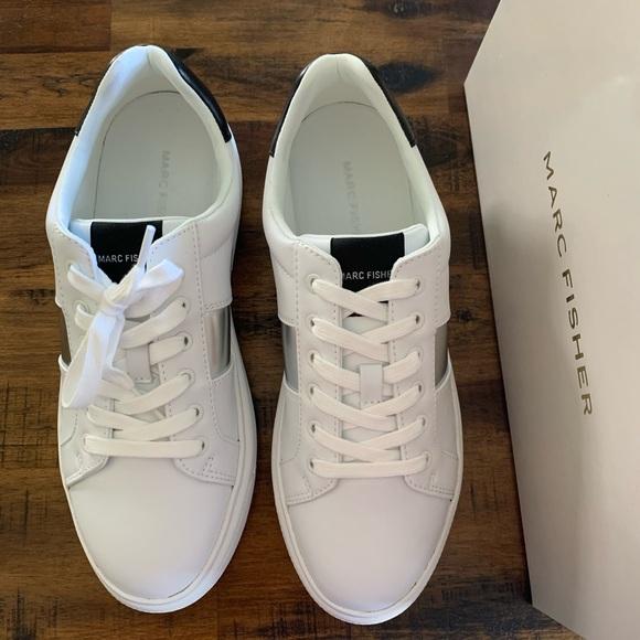 Marc Fisher Drea White Sole Sneaker Size 8.5M